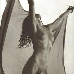 Connie nackt Nelson Connie Nielsen