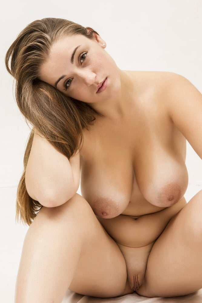 Curvy tits woman — 10