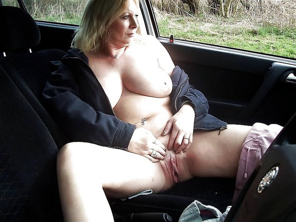 Naked Fat Girls Like Arianna Sinn In Fishnet Stockings Showing Tits In Car