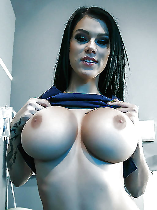 round-girls-with-big-boobs-sexy-girls-pictures