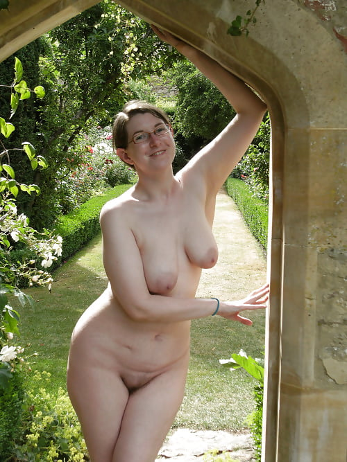 Busty Curvy Mature Milfs, Naked In The Garden 2 - 55 Pics -9083