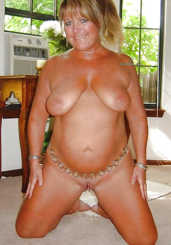 Sexy mature big tits-1309