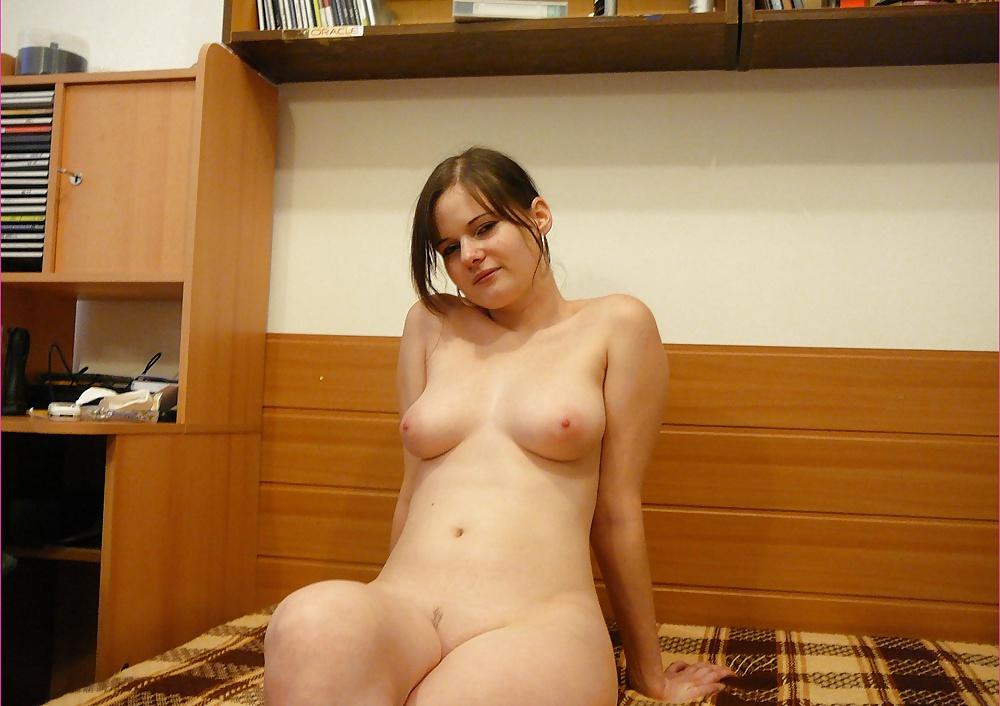 foto-golaya-sosedka-seks-porno-tozhikcha