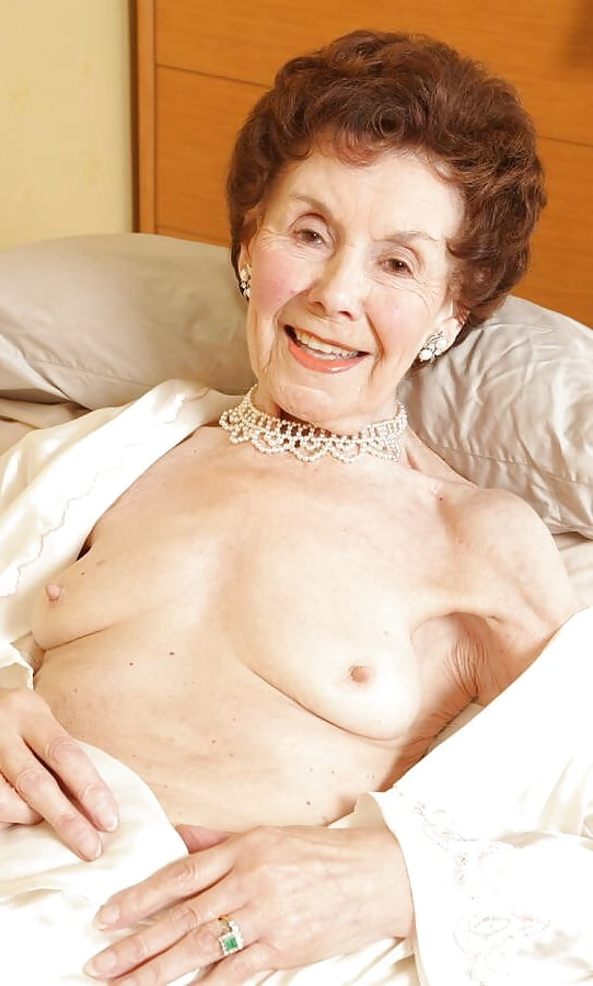 Babssexy English Granny - 95 Pics - Xhamstercom  3-3962