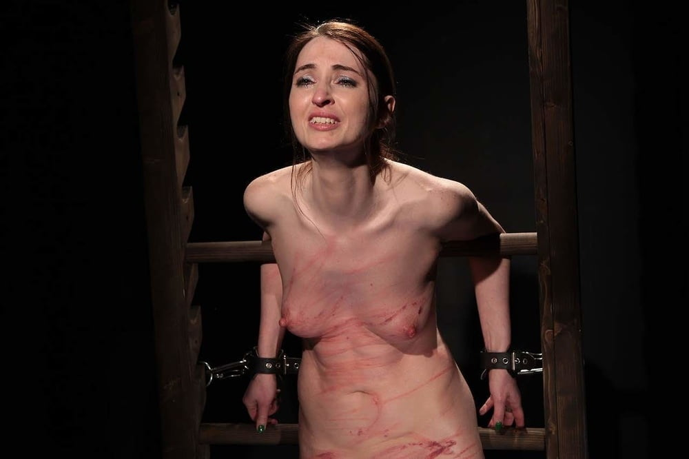 Whipping woman fetish — photo 1