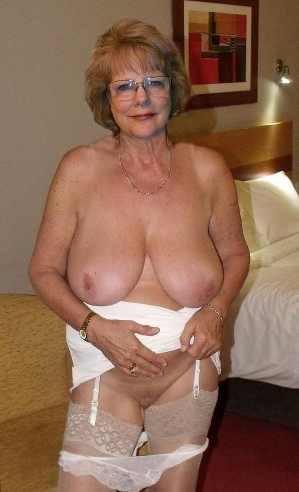 mature-sexy-grandmas