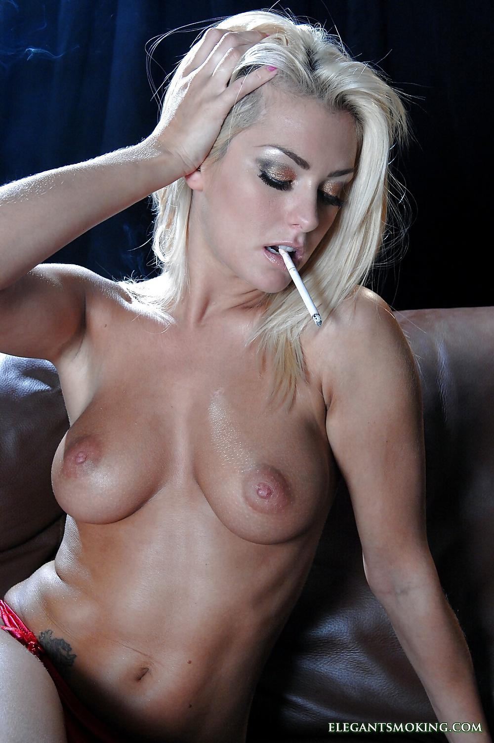 Naked hot girls that smoke weed