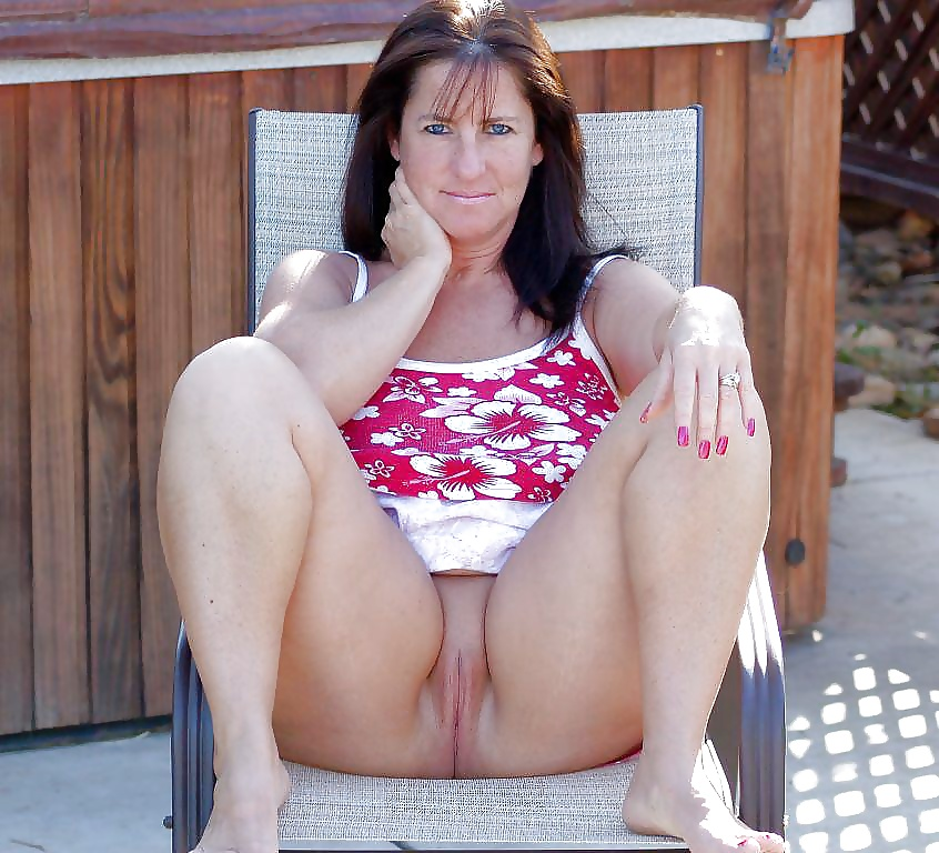 Italian up skirt show pussy new sex images