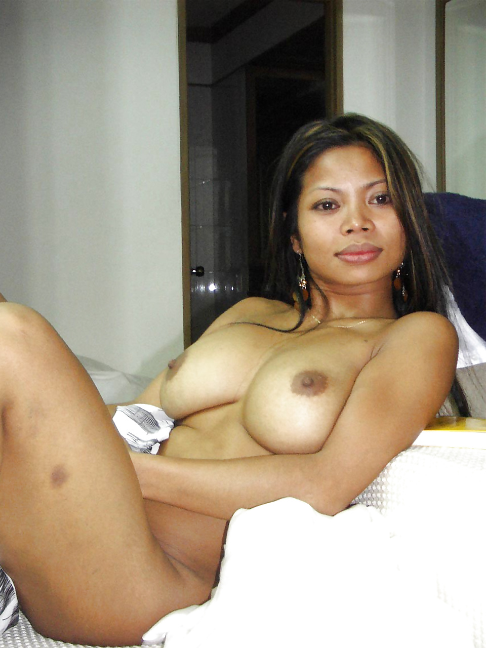 Filipina women masterbating cleaning her