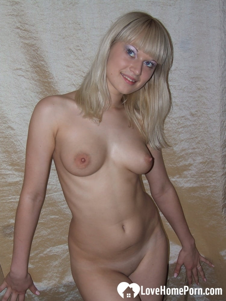 Best friend fooling around with me half naked - 126 Pics