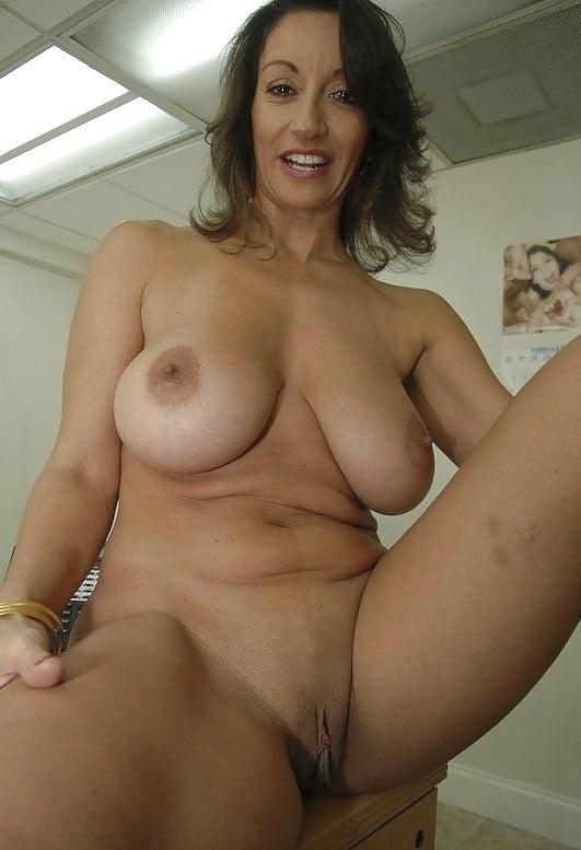 nude-milf-naked-video