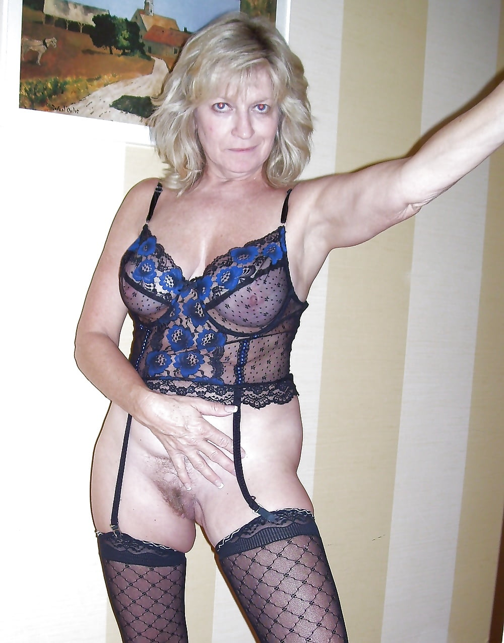 вас любительское порно с женщинами среднего возраста в нижнем белье главный актер