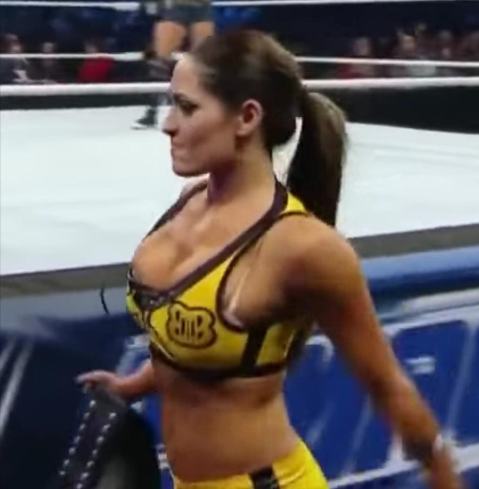Bella porn nikki Nikki Bella