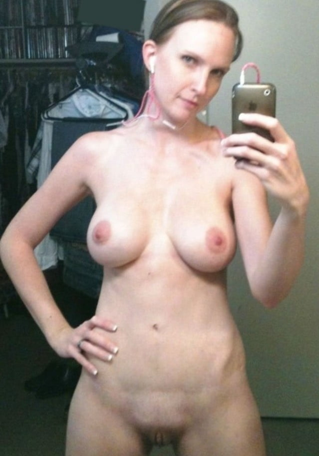 Sexy old women naked self pic