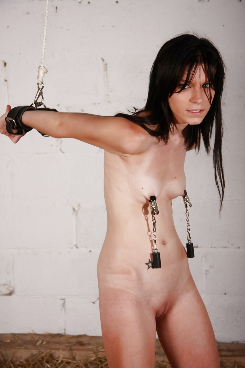worldstar-honeys-skinny-nude-girl-chained