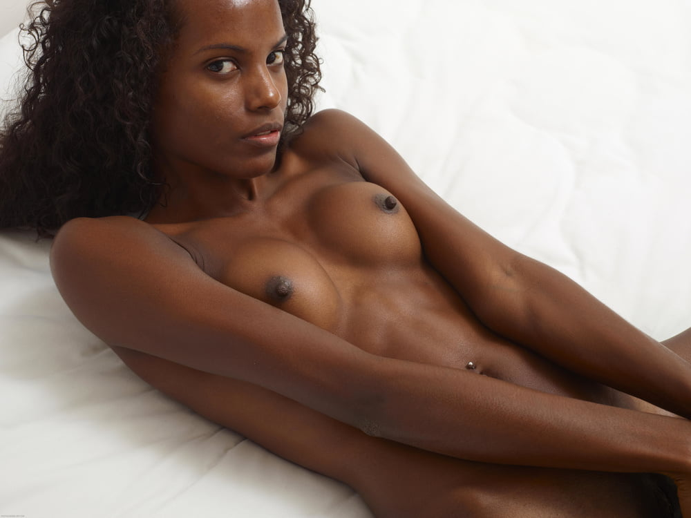 black-naked-pictures-and-stories