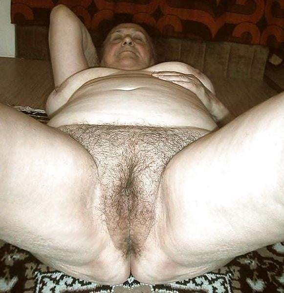 Old wrinkled fat granny pussy — 2