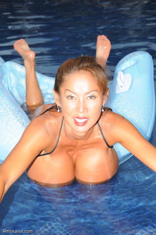 Xxx naked image