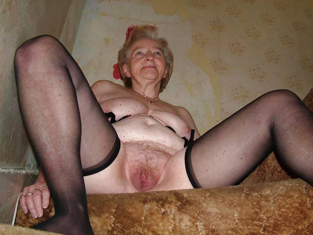 girl in bikini having sex
