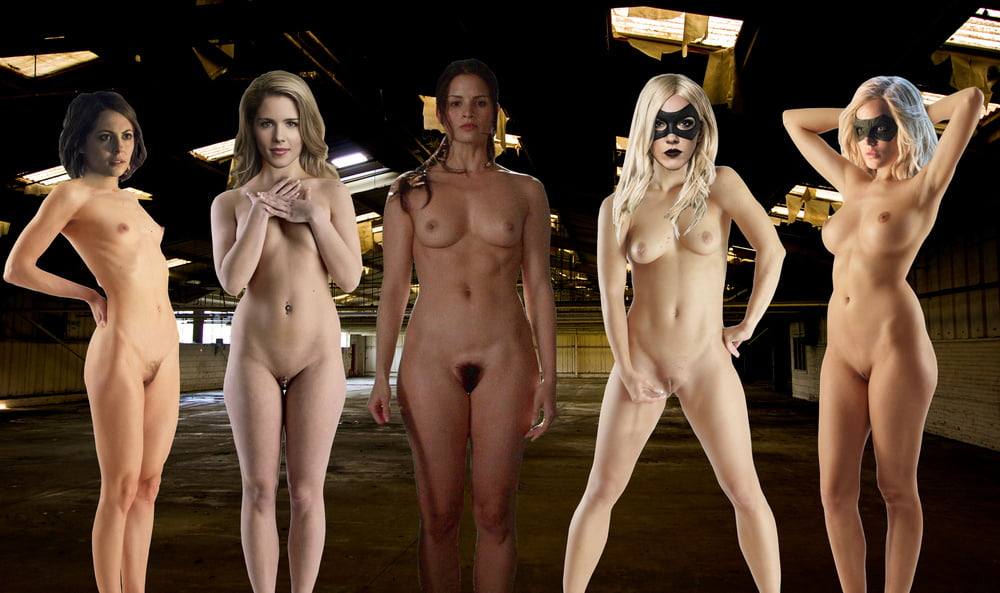 Nude beauties in the flash
