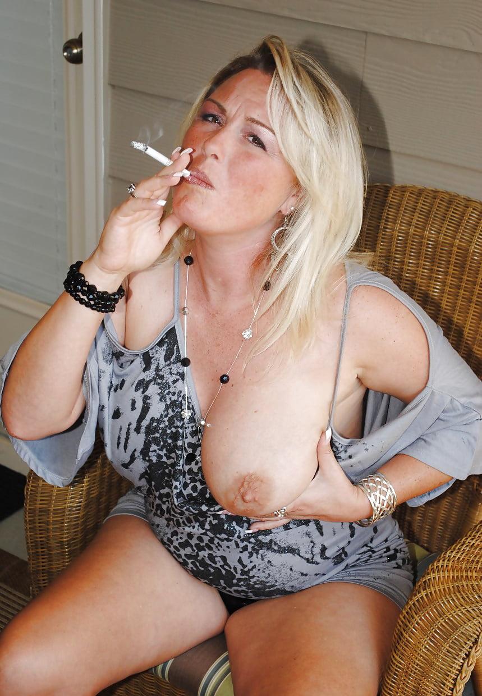 Smoking mature smoking