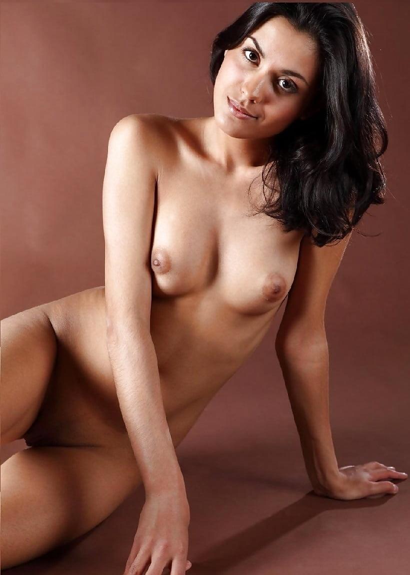 true-nude-olivia-munn-thick-legs-amateur