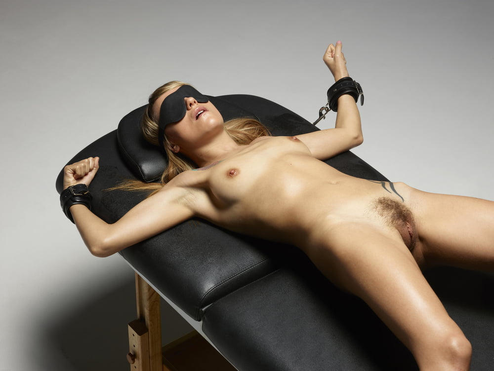 pussy-getting-girls-blindfolded-nude-sex-petite-girls