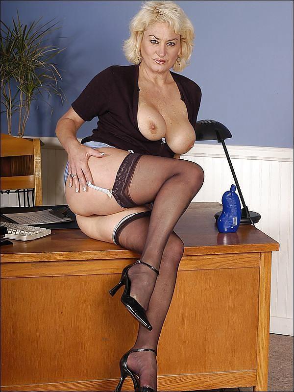 все вредители зрелые офисные дамы эротика вас