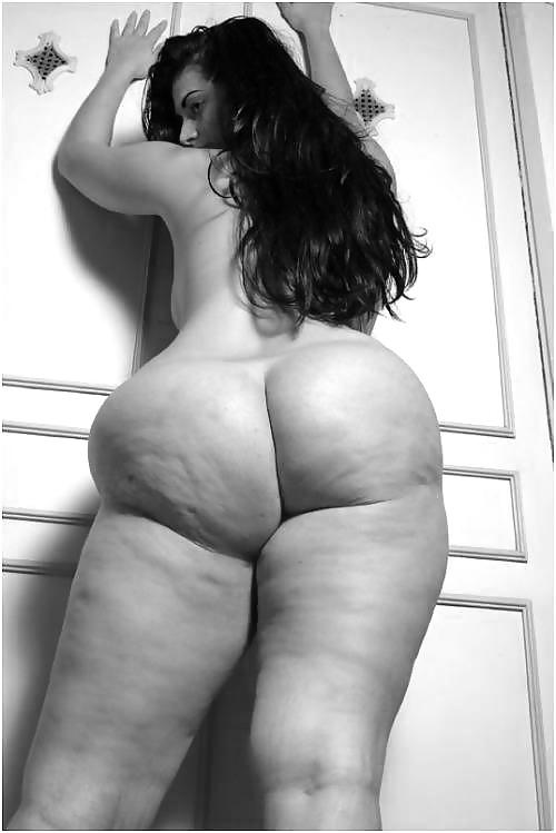 Порно целлюлитные попки смотреть большие