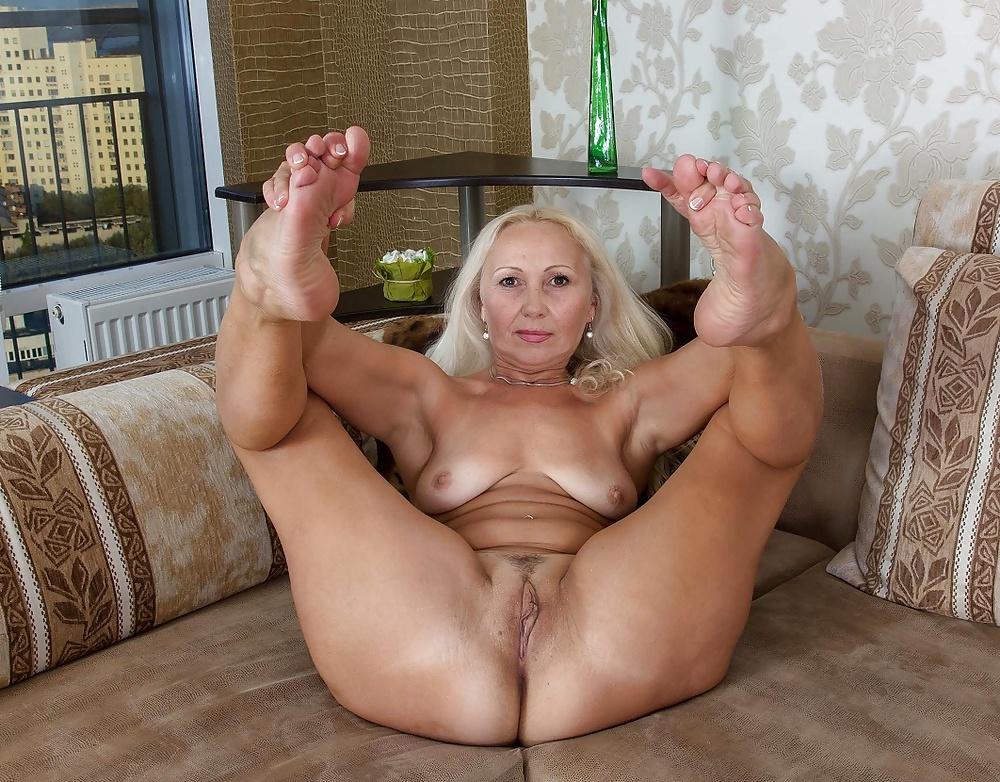 Фото голых порнозвезд в возрасте, порно фото в мамбе