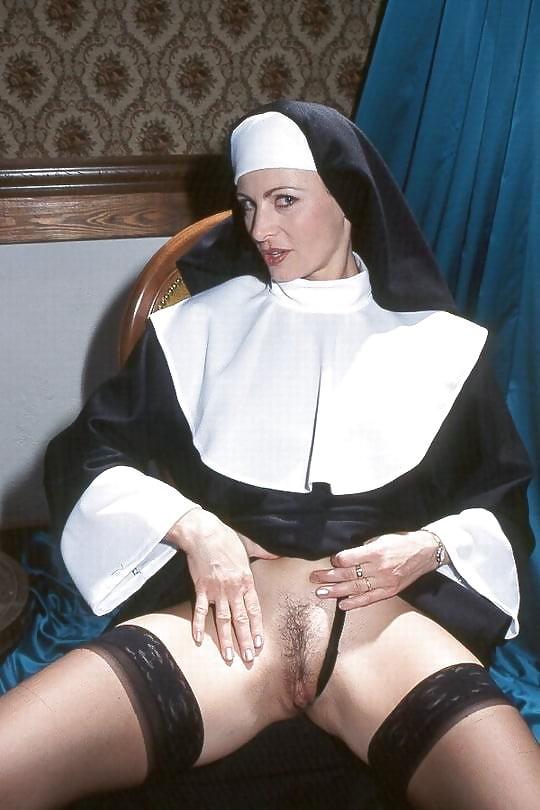 Real naked nun, rebecca romijn stamos fotos porno