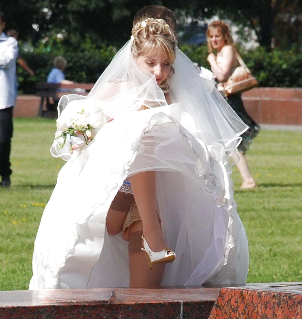 Free upskirt wedding photos — 5