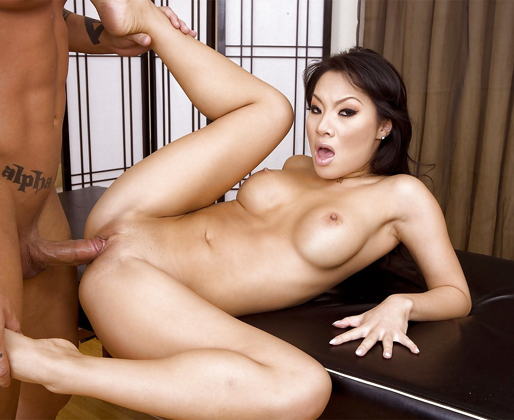 stud-asa-akira-nude-hard-malay-girl-having
