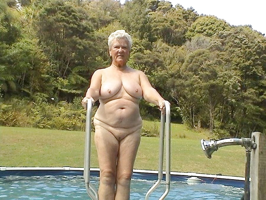 older-lady-nude-by-pool