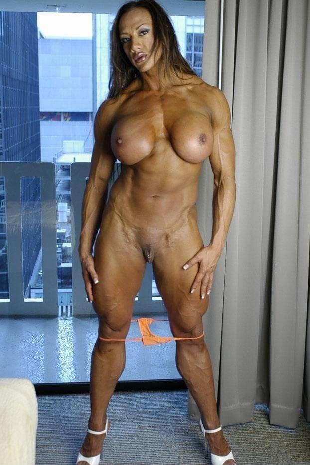 big-tits-muscle-chick