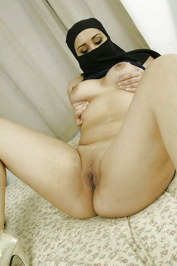 saudi-girls-sex-photos-amatuer-womens-tits
