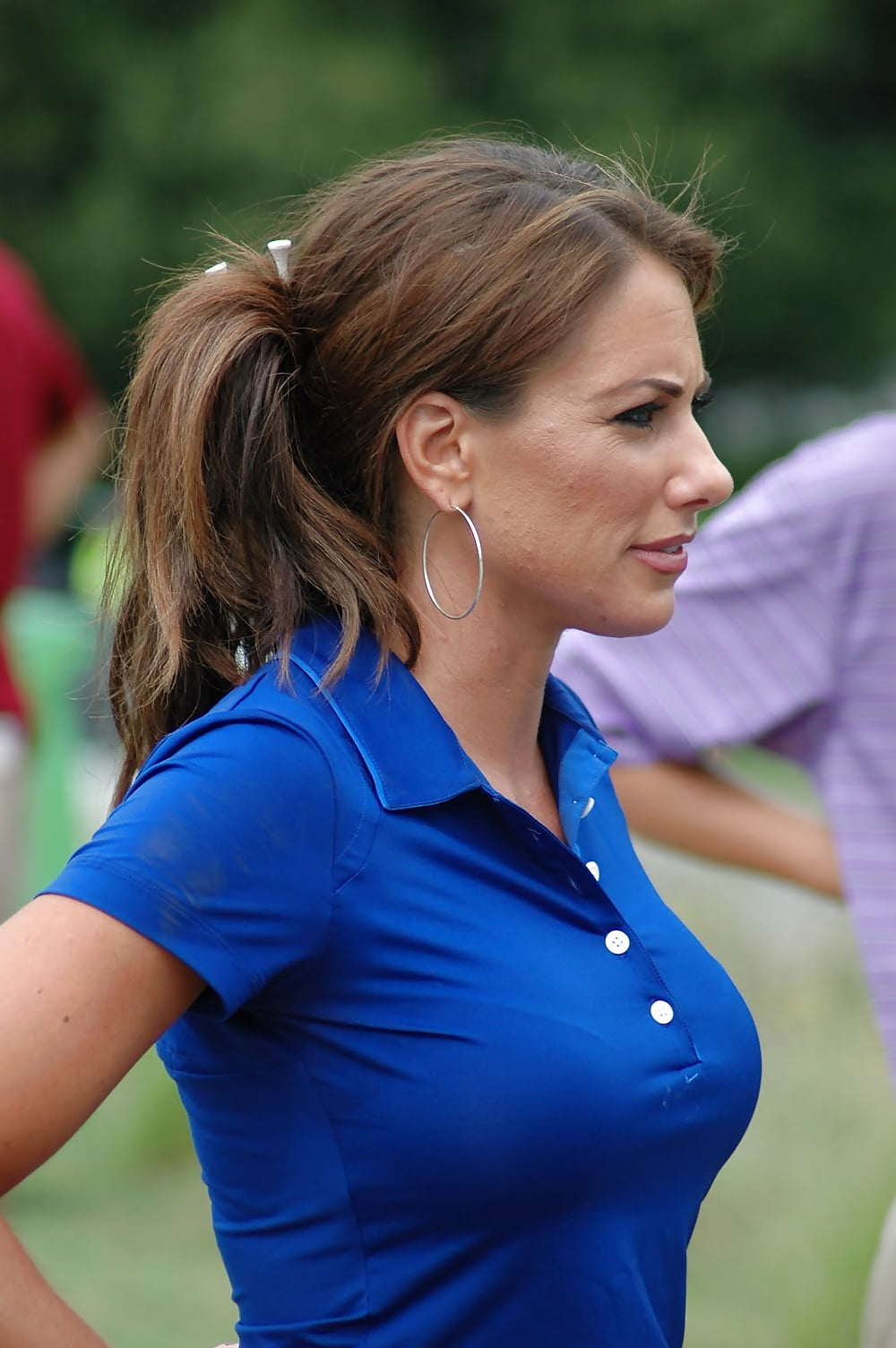 Holly Sonders is TV personality and golfer with hot body Check out all her measurements such as bra size weight height Does she have fake or real breasts