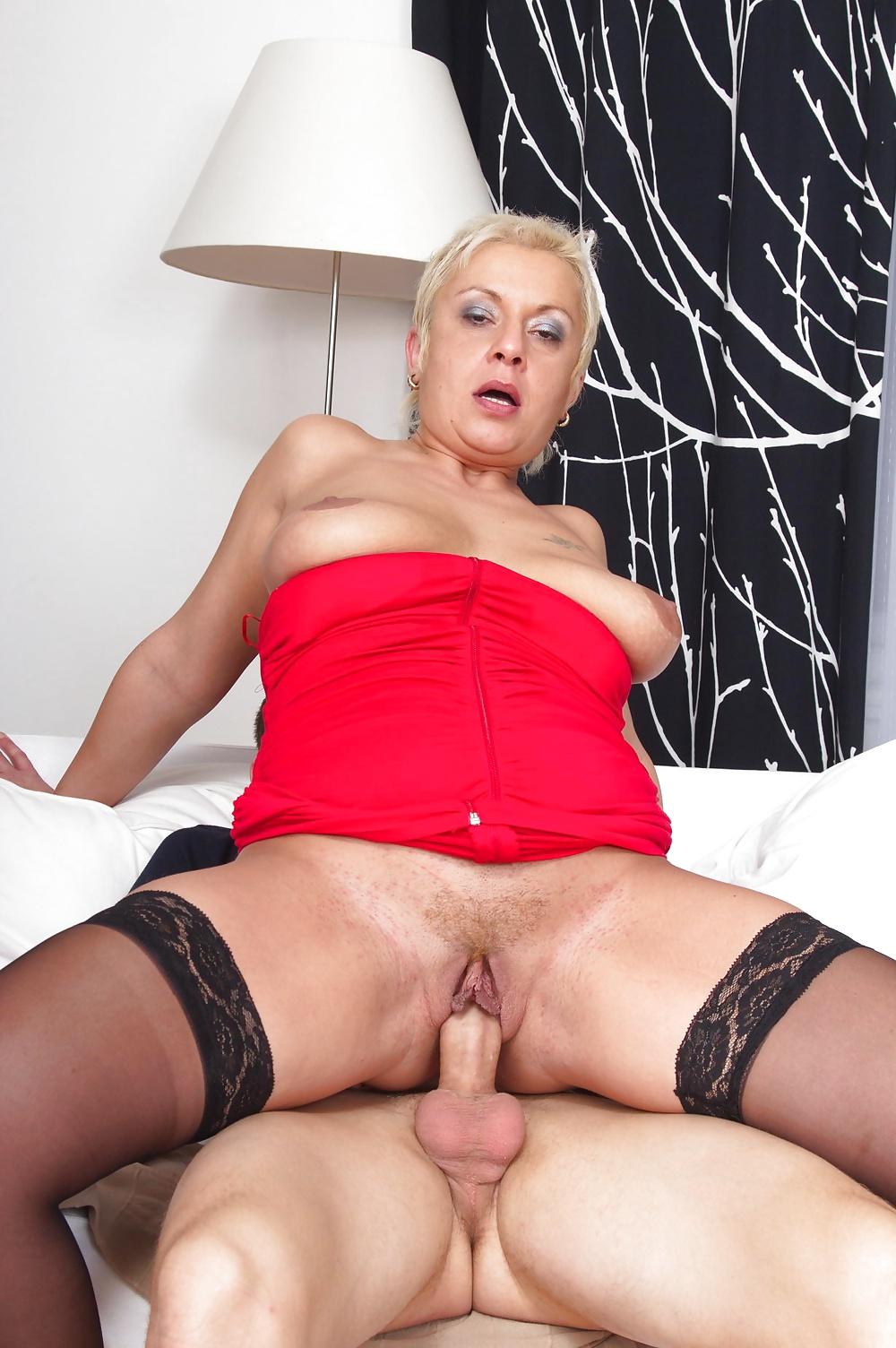 xxx-barbain-women-sexy-petite-nude-adult-babe