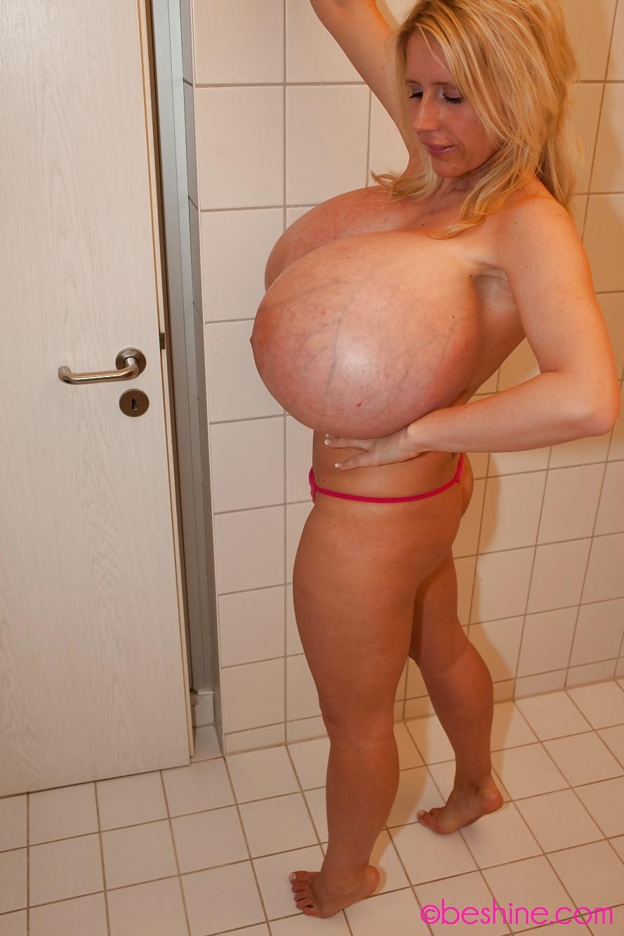 Beshine Pussy