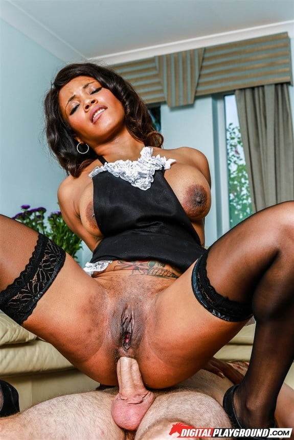 Anal Queen 2 (Tits) - 40 Pics