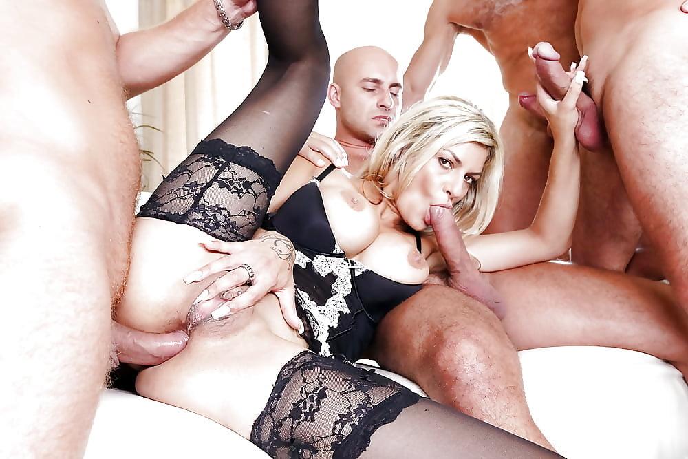 blonde-milf-surprise-gangbang