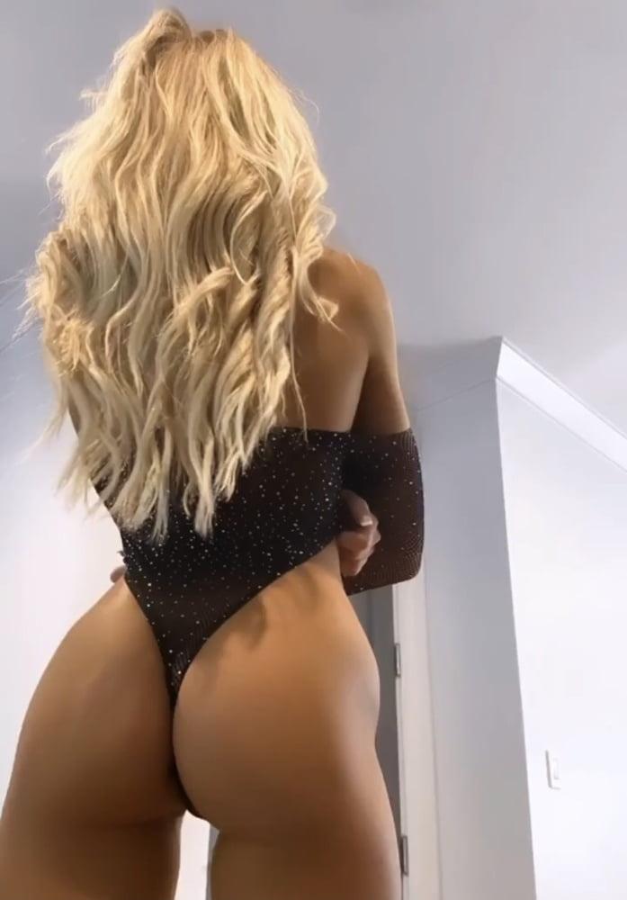 Sexy - 38 Pics