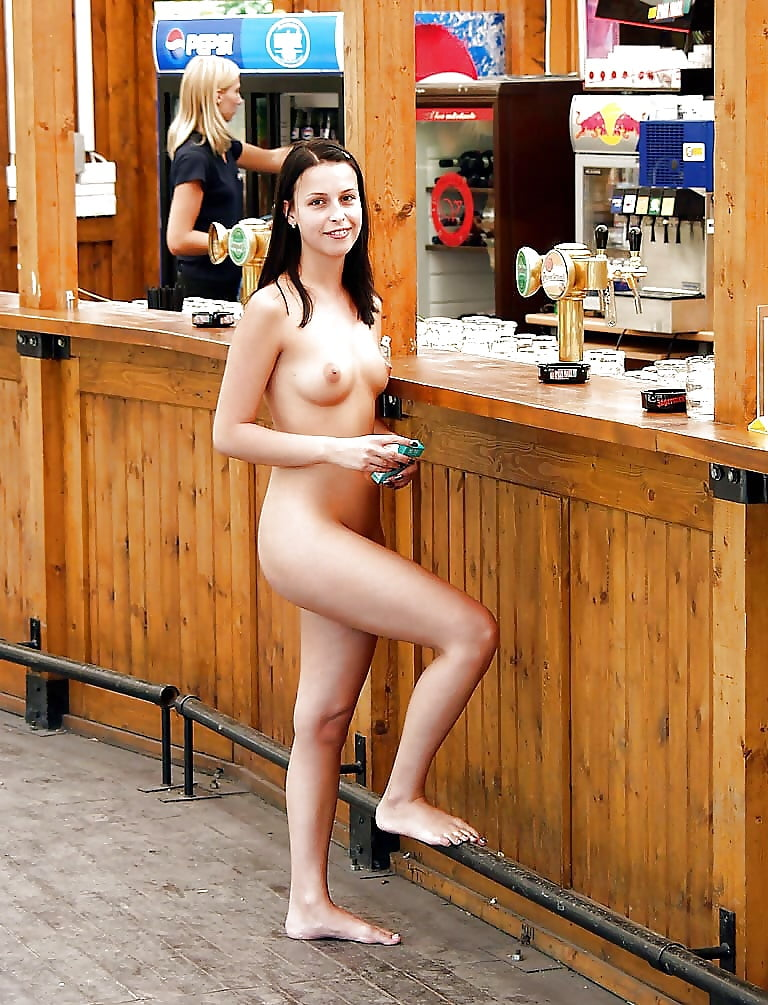 Shy girl nude in public place — pic 9