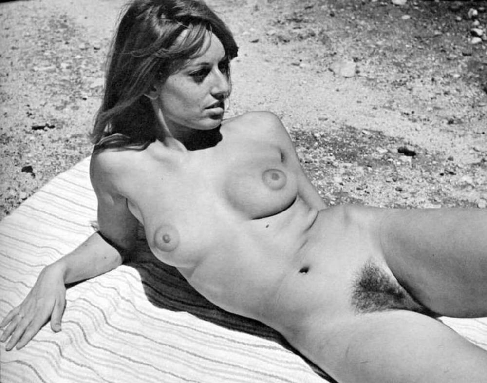 Beautiful young women naked