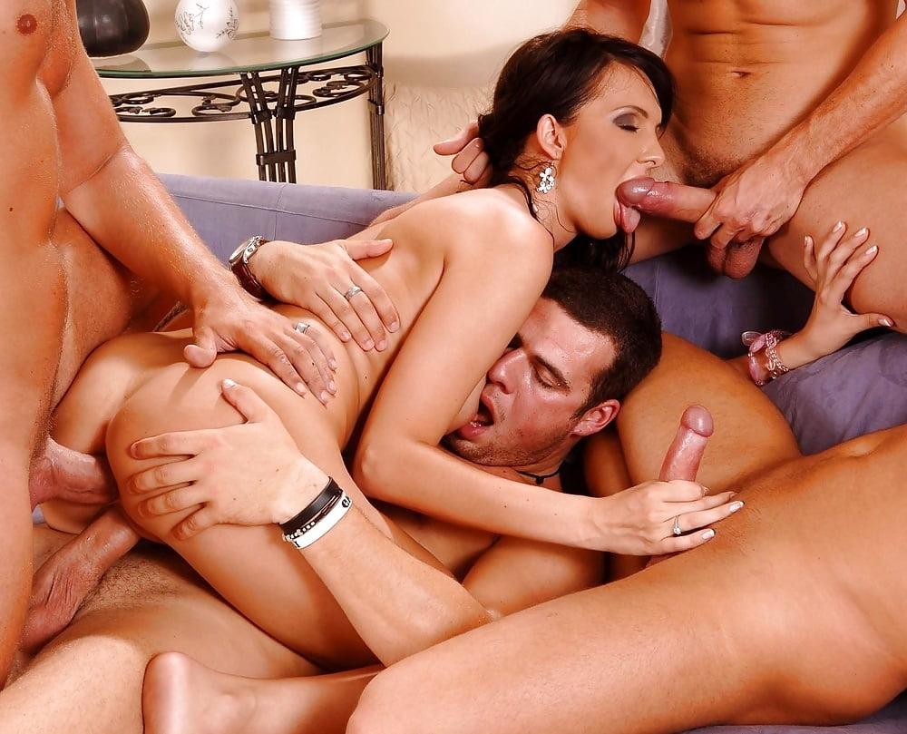 Free xxx amatuer group sex pics