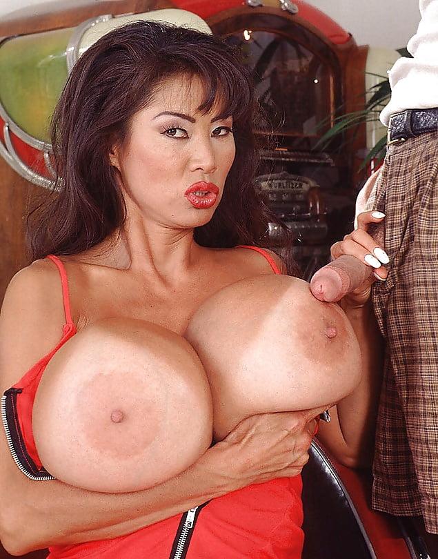 Big bras xlgirls minka asian, sexy step moms pussy