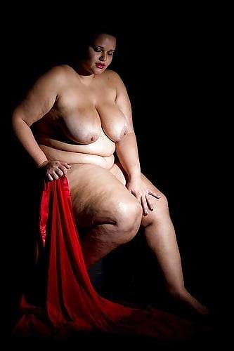 Plus size gothic nude — pic 9
