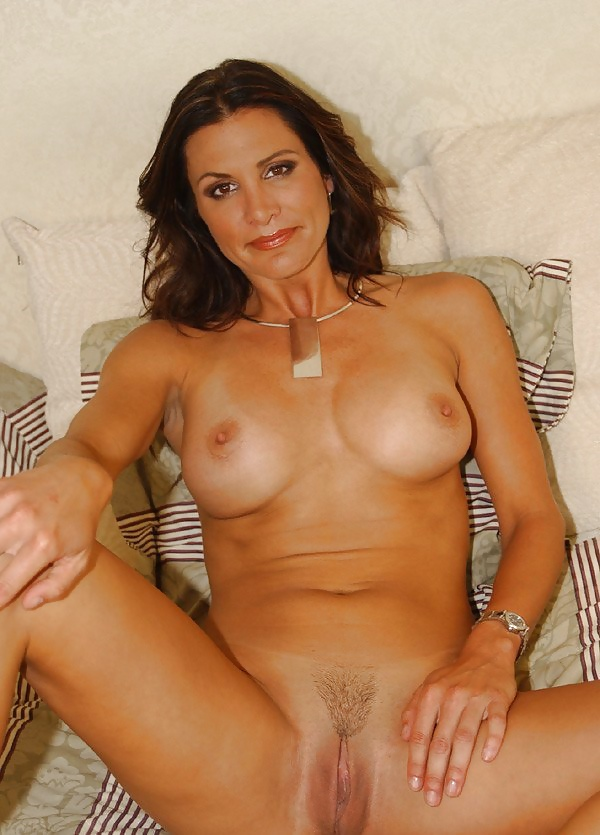 sydney-steele-pussy-pussy-pic-with-finger-in-it