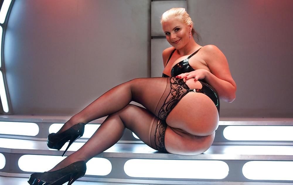 pussy-phoenix-marie-pornstar-in-action-photos-best-black
