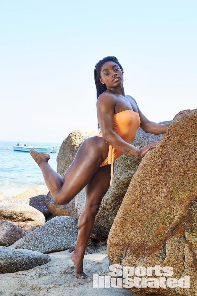Simone biles nude pics